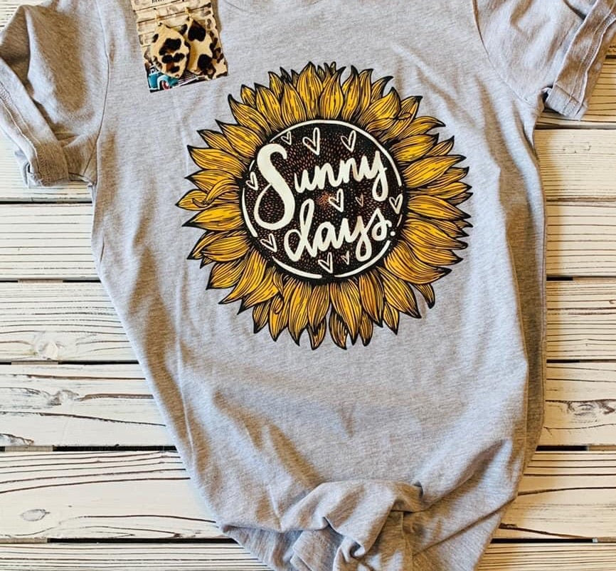 Sunny Days Tee (PRE-ORDER) - This & That Boutique Shop
