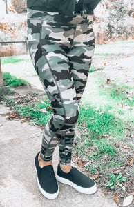 Camo Active Leggings - This & That Boutique Shop