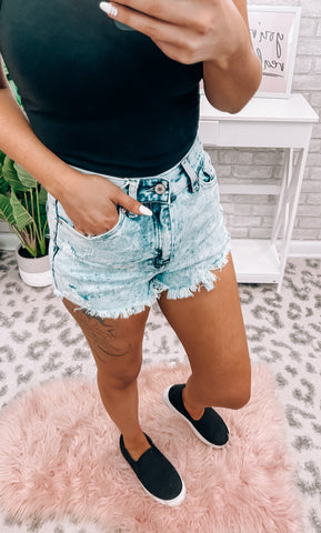 Light KanCan Fray Hem Shorts
