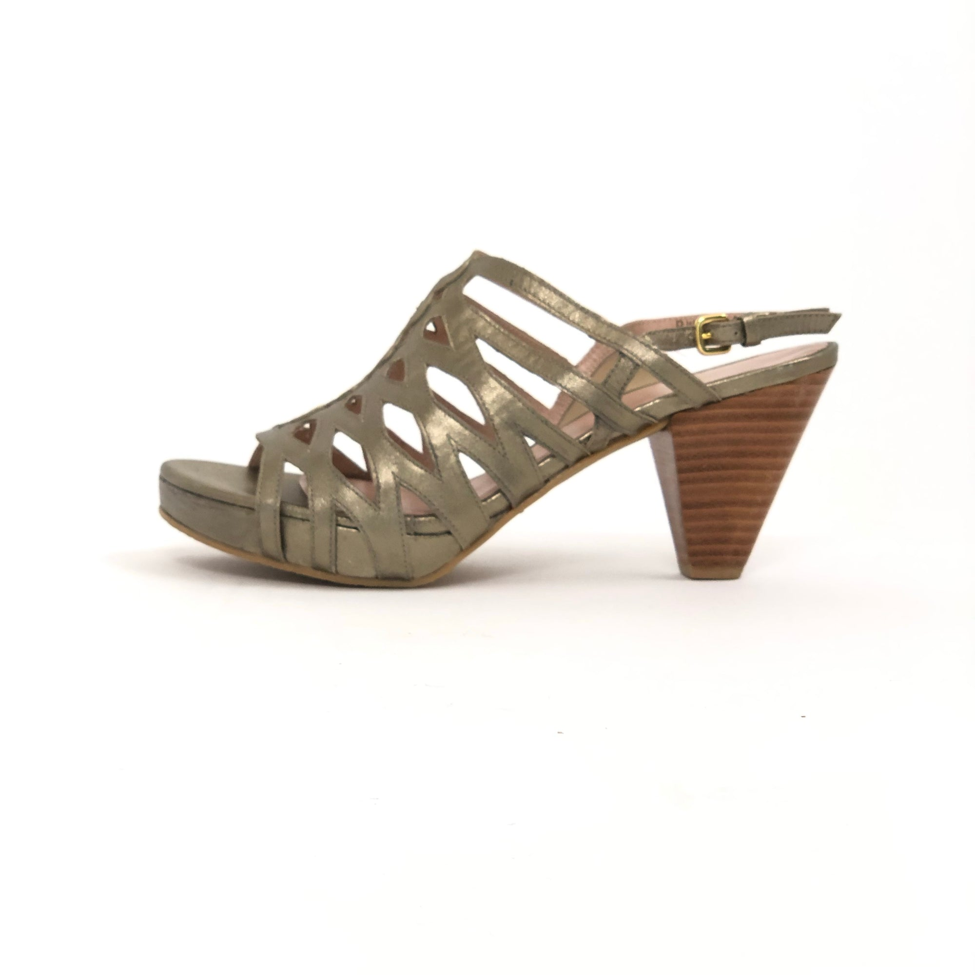 Stuart Weitzman Rollover Sandal Ale Washed Nappa, Size 6.5