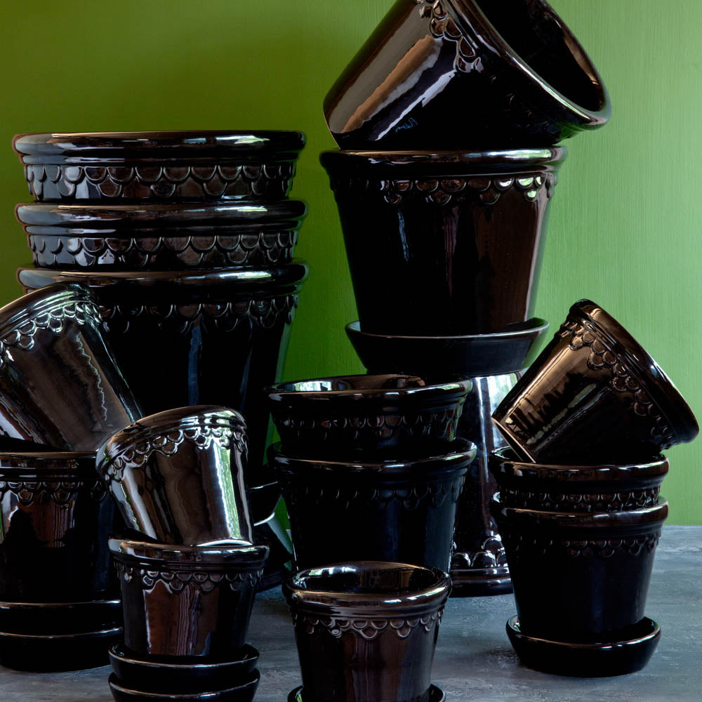 3in-10in Black Glazed Castle Pot - Bergs Potter