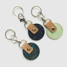 Load image into Gallery viewer, Round cork key ring blue fennel
