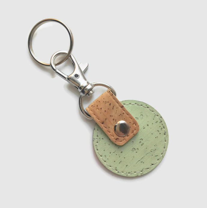 Round cork key ring green