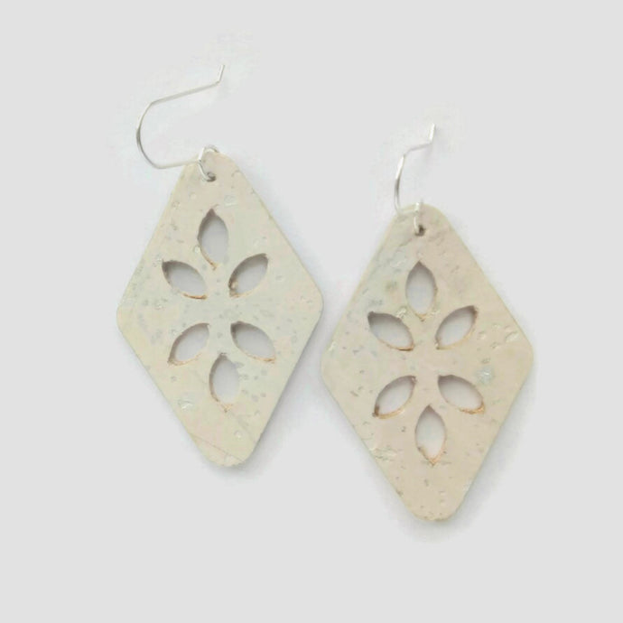 Cut Out cork earrings, off white