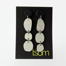 Load image into Gallery viewer, Trio free-form cork earrings, white
