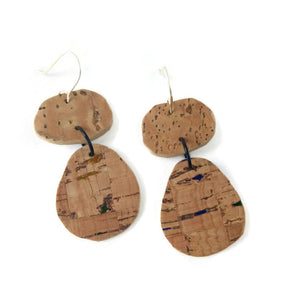 Duo free-form cork earrings, natural with rainbow flecks