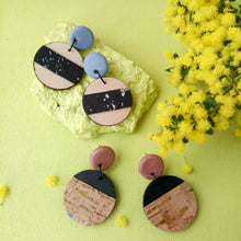 Load image into Gallery viewer, Round wood and cork earrings
