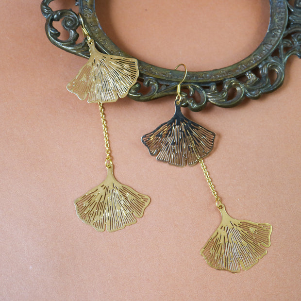 Dangly golden ginkgo earrings