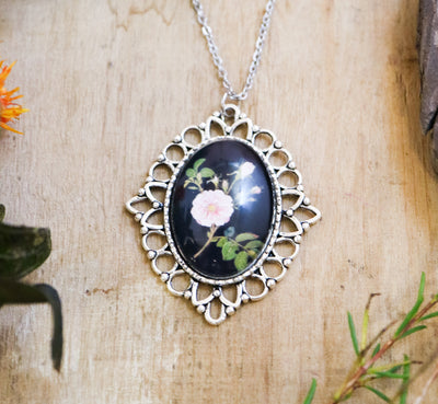 Delany tea rose necklace