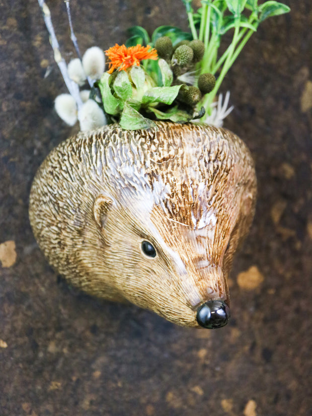 Small hedgehog wallvase