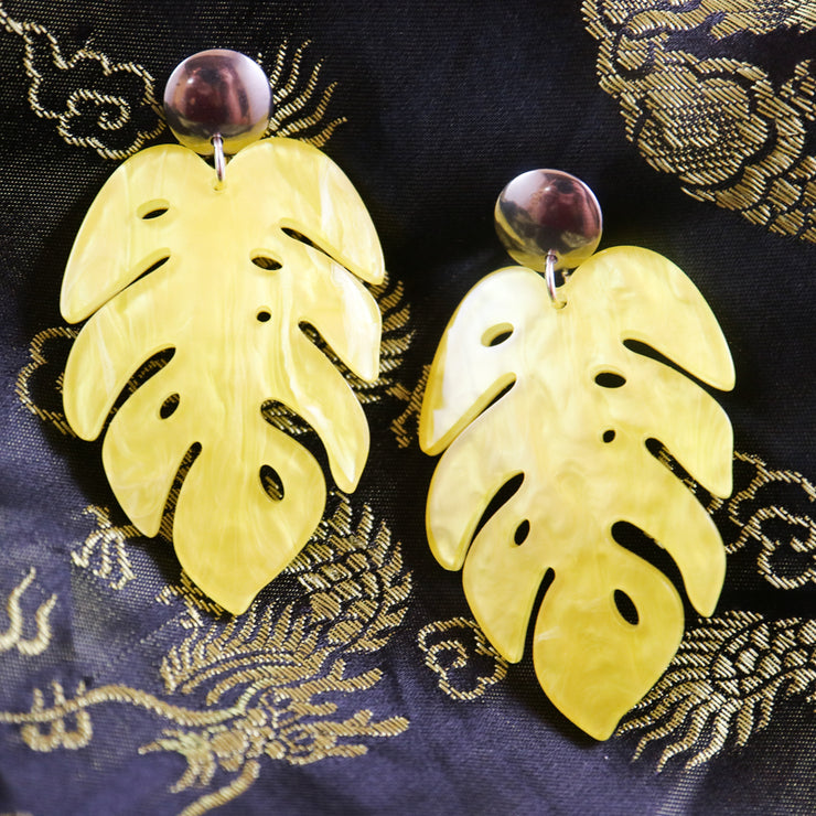 Marbled yellow monstera earrings