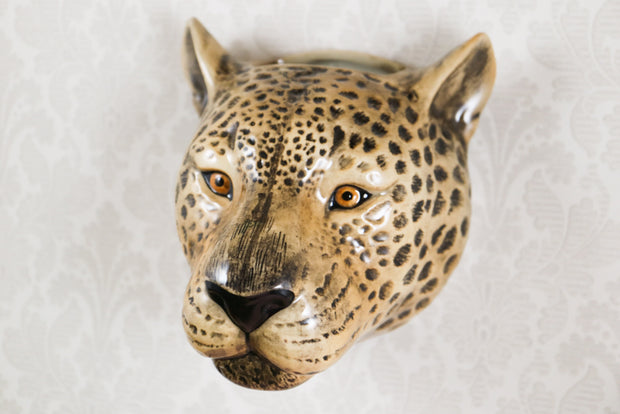 Big leopard wallvase