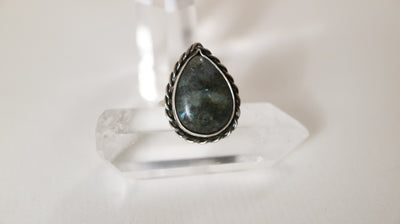 Pill jewelry 925 silver no 4, labradorite tear ring size 20