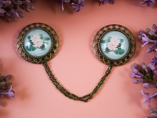 Water lilies collar brooch