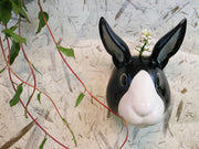 Small bunny wallvase