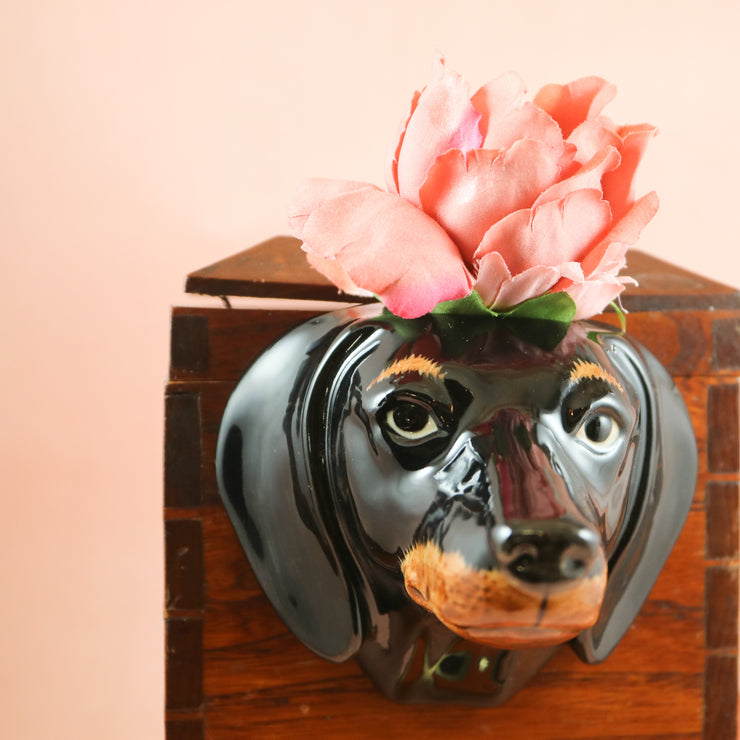 Small dachshund wallvase