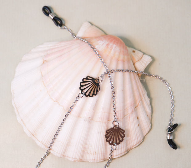 Seashell sunglass keeper