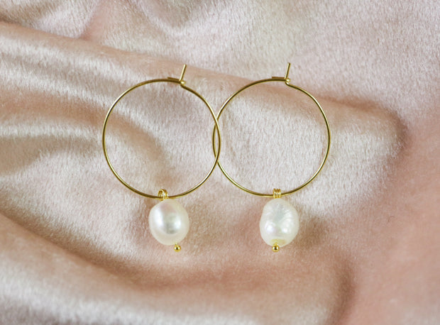 Irregular freshwater pearl hoop earrings (Limited edition)