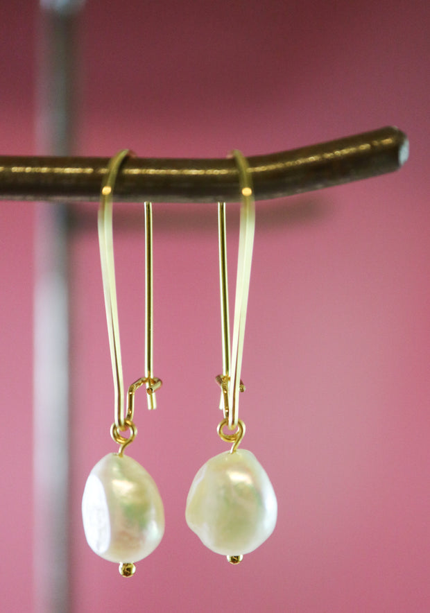 Golden irregular freshwater pearl earrings (Limited edition)