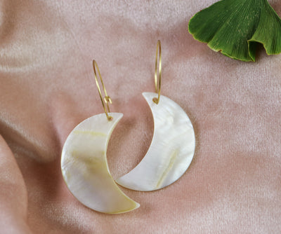 Mother-of-pearl mega moon earrings (Limited edition)