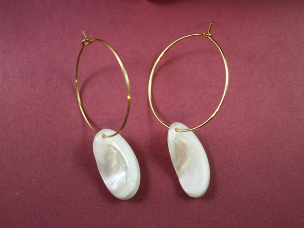 Pearly whites hoop earrings (Limited edition)