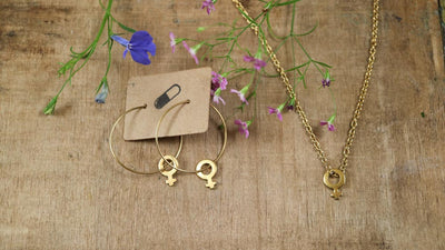 Golden venus necklace and hoop earrings set