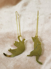 Destroy the sofa or puke on the carpet? Cats sawed & engraved brass earrings