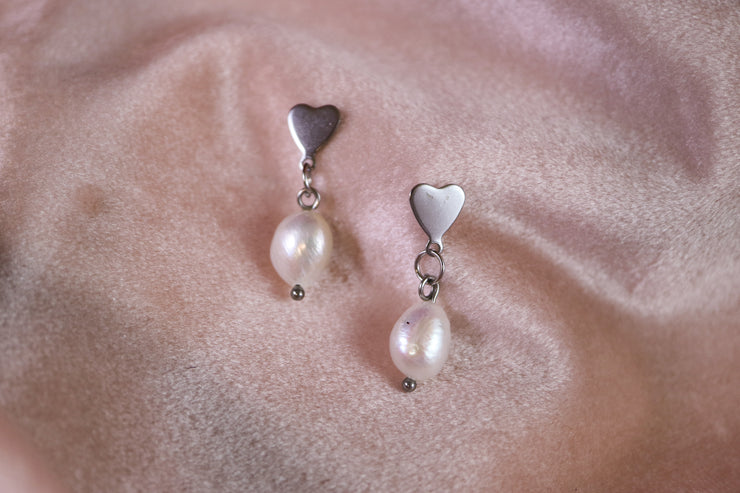 Heart and pearl earrings (Limited edition)