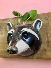 Small raccoon wallvase