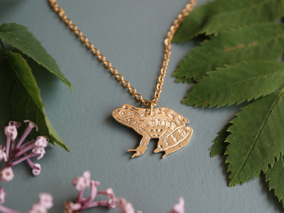 Common frog hand sawed & engraved brass necklace
