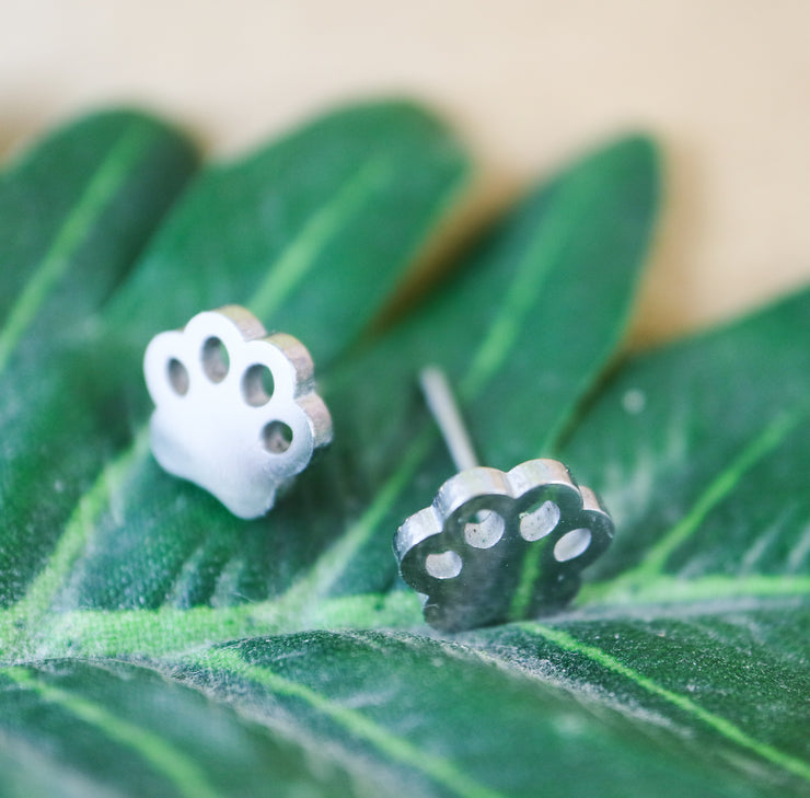 Silver paw stainless stud earrings