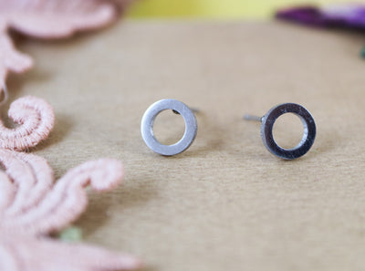 Silver circle stainless stud earrings