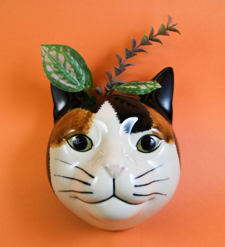 Eleanor the cat small wallvase