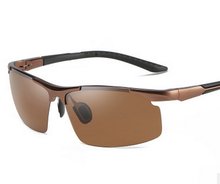 Load image into Gallery viewer, Men's Photochromic Sunglasses With Polarized Lens