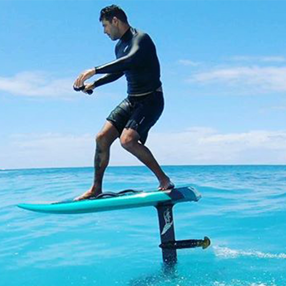 The world's most advanced electric surfboard – momoseir