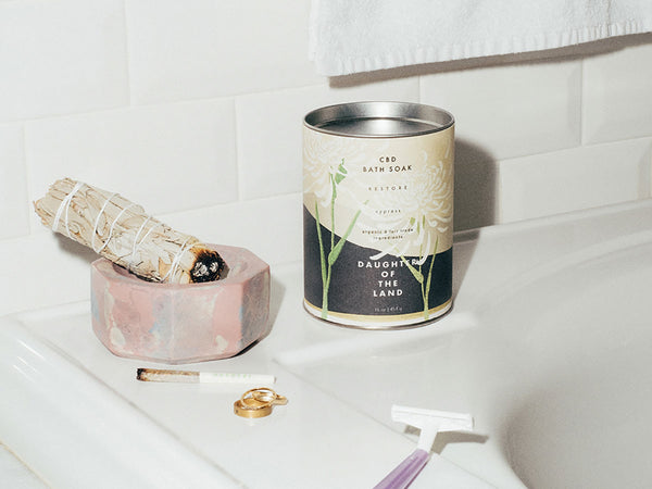 4 BATH ESSENTIALS FOR A CALM MIND