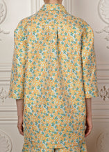 Load image into Gallery viewer, Relaxed-fit Danna Floral Jacket with three-quarter sleeves