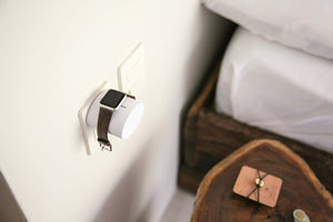 Apple Watch Wall Stand - Neatly Storing the MagSafe Cable