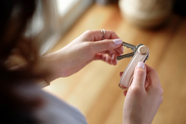 Orbitkey 2.0 - Neatly Carry your Keys & Prevent Screen Scratches