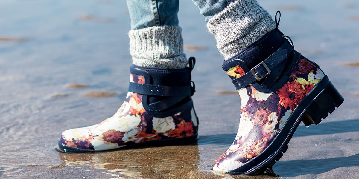 Womens-Liberty-Rubber-Ankle-Boots-Navy-Floral-Print
