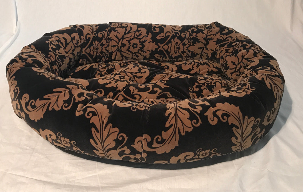 Black & Gold Filgree Donut Bed