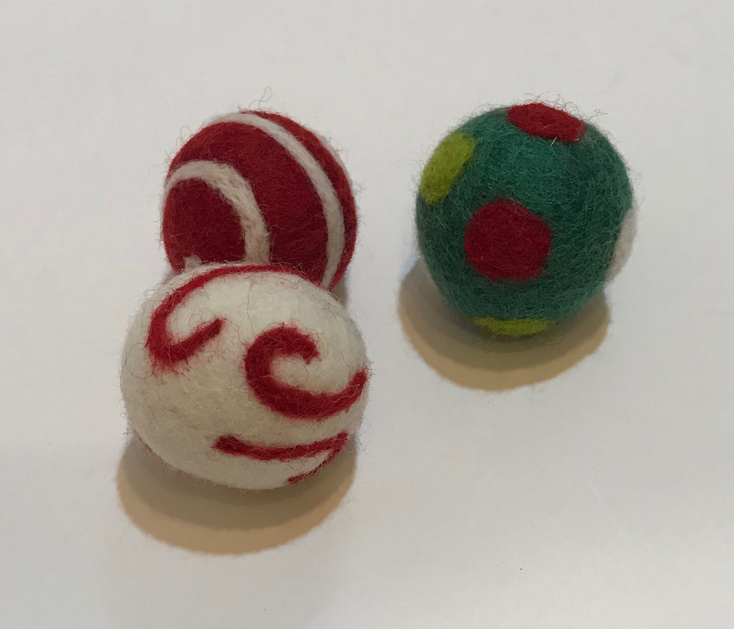 Felted Holiday Cat Ball