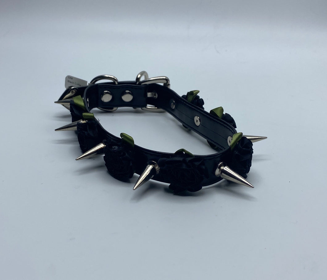 Black Collar w/Spikes & Flowers 16