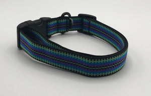 multi-colored striped collar size large