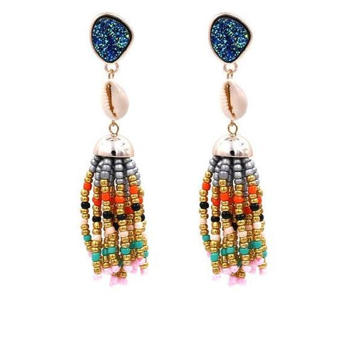 Handmade , beads , shell , bling and tassels, this piece ticks all boxes of 2019 earring trends. This is vintage yet boho style that will colorup your look with its super trendy style. Perfect for party , picnic, casual wear , birthday , date , beach party.