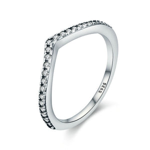 Elegant Engagement Ring 925 Sterling