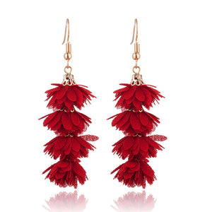 Flower jwellery is 2019 trend. These flower long drop earrings will add a fresh and colorful touch to your look. They are cute and trendy with beautiful vibrant colors. perfect for enagements , party , birthday, dinner or girls night out.
