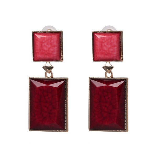 These beautiful resin square gold drop earrings are super stylish and trendy. Large resin squares with vibrant resin colors having gold touch are perfect style statement for formal occassions , birthday , anniversary , enagement, wedding , party and date night.