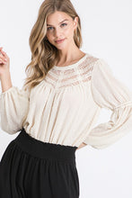 Load image into Gallery viewer, Solid Textured Long Sleeve Woven Blouse