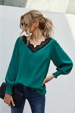 Load image into Gallery viewer, V Neck Lace Patchwork Green Blouse
